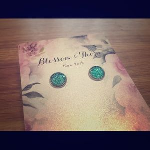 BLOSSOM & THORN 8mm Druzy Studs in Turquoise